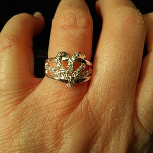 Ring -  size 7 - heart